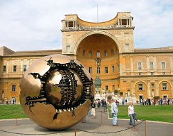 Top 10 Amazing Museums of the World